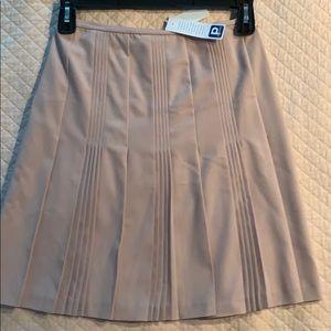 Ann Taylor loft. NWT skirt